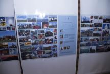 Остров Ольхон, поселок Хужир - выставка плакатов об истории создания Ступы Просветления на острове Огой